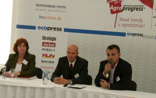 31.10.2011 – Hospodárske noviny – Banky treba viac vtiahnuť do agrofinancovania