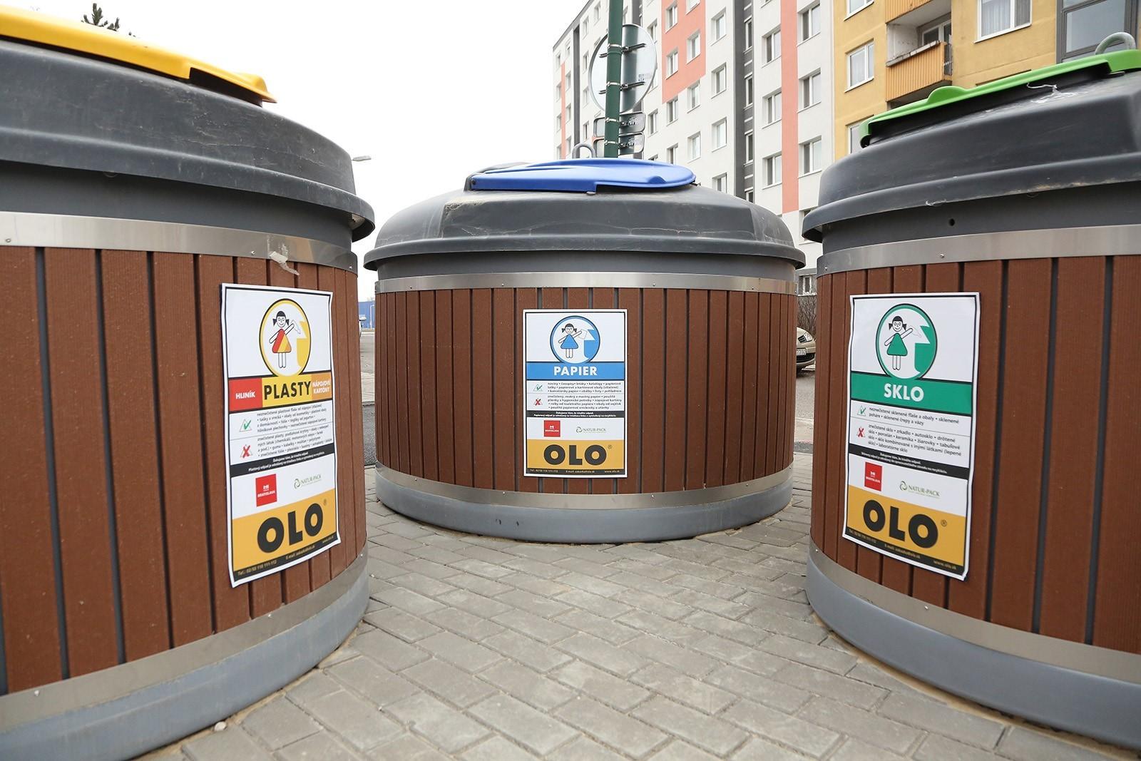 V Bratislave pribudli ďalšie polopodzemné kontajnery. Mestská spoločnosť OLO poskytla na ich vybudovanie finančný príspevok.