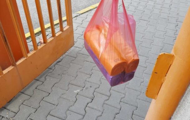 Roznos vriec pre mestské časti zapojené v prvej etape vrecového zberu triedeného odpadu