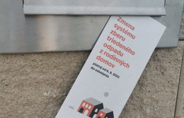 Bratislavčania z rodinných domov, ktorí triedite odpad, pozrite sa do poštovej schránky, nájdete v nej nový leták k vrecovému zberu